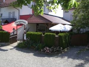 Gasthaus-Stern_Biergarten_Außenansicht