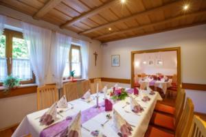 Gasthaus-Stern_Stüble_Tisch