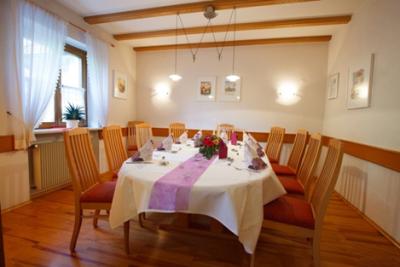 Gasthaus-Stern_Stüble_Tisch2