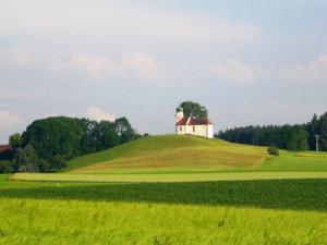 Umgebung_Kapelle-Volkertshaus